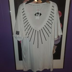 Married to the Mob V-Neck Studded Tee Sz L NWT